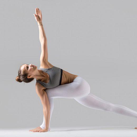 Postura de Estiramiento lateral de pie invertido 9